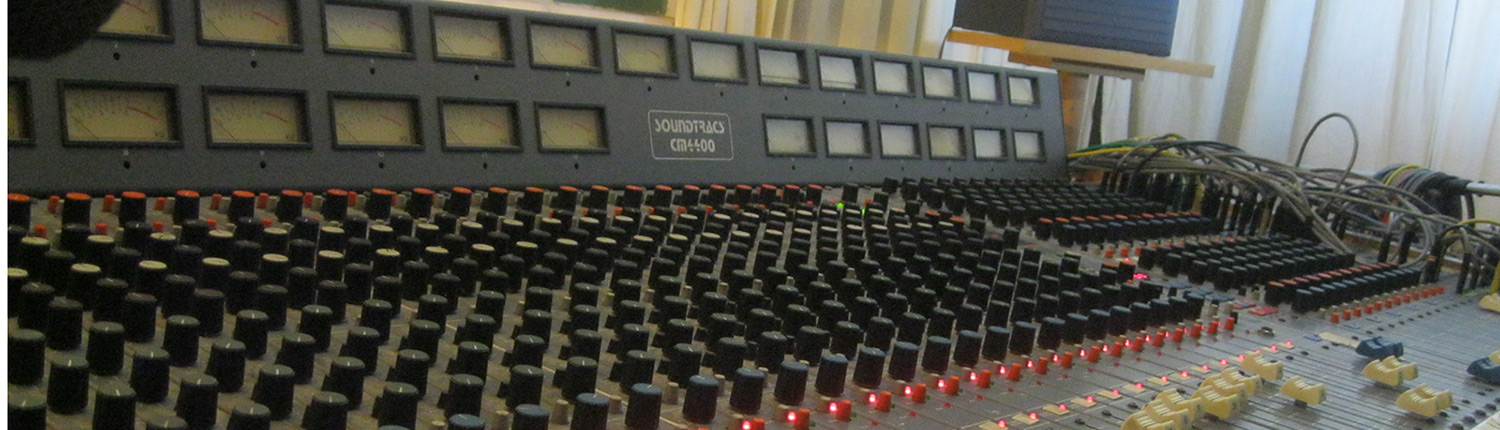 3-Soundtracs-CM4400-console-at-Earwig-Studios
